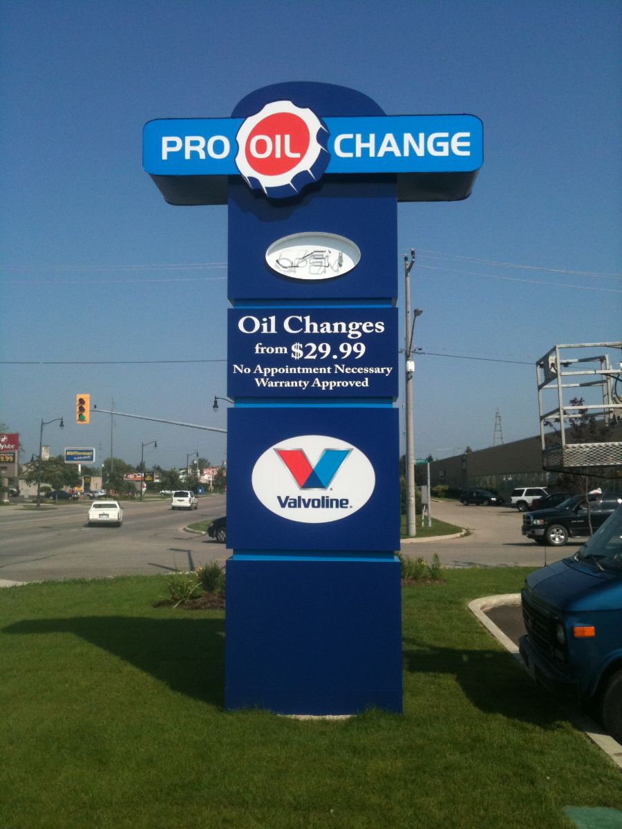 8 erb-signs-woodstock-pro-oil-pylon-2