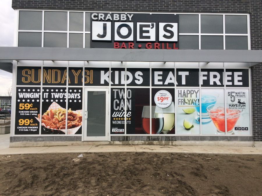 erb-signs-Crabby-Joes-windows-5