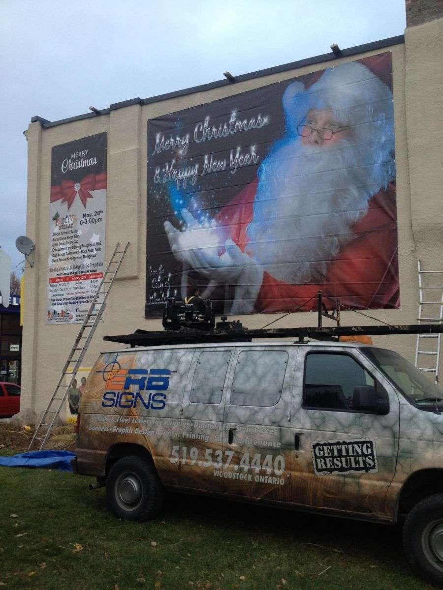 erb-signs-Santa