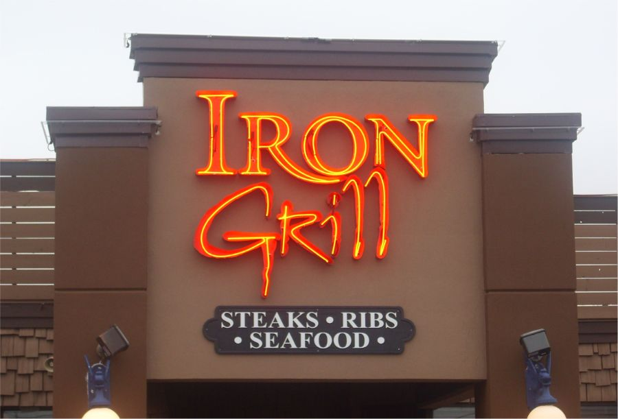 erb-signs-neon-Iron-Grill